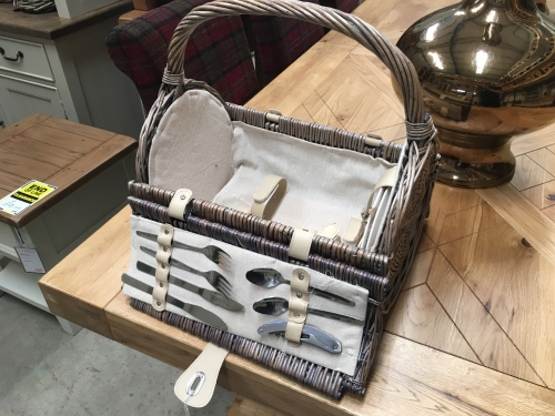 2 Person Barrel Picnic Hamper
