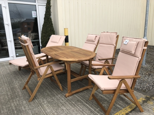 Cotswold Teak Extending Table 146/200cm with 4 Chairs and Cushion